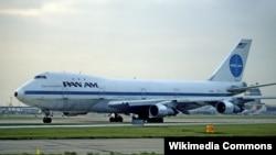 Sebuah pesawat milik maskapai Pan Am di landasan pacu 28L bandara Heathrow, London, 29 November 1983 (Foto: dok). Mohammed Rashed, pelaku pemboman pesawat Pan Am 830 tahun 1982, dibebaskan dari penjara federal tahun 2013.