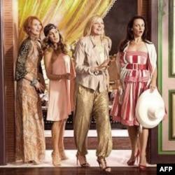 克里斯汀·戴维斯 (Kristin Davis 右) 等扮演4位纽约客