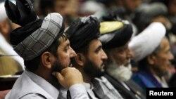 Các nhà lập pháp trong 1 phiên họp Quốc hội Afghanistan ở Kabul (hình lưu trữ tháng 6/2012)