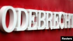 El logo corporativo del conglomerado de la construcción Odebrecht en su sede, en Sao Paulo, Brasil, el 3 de agosto de 2018.