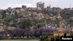 Une vue sur un palais, à Antananarivo, Madagascar, 8 avril 2016.