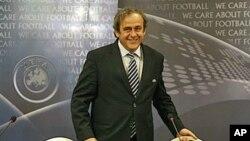 President UEFA Michel Platini mengatakan bahwa rekayasa pertandingan dan pasar taruhan menjadi ancaman serius bagi masa depan sepakbola (foto: dok).