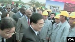 Česta slika - najviši kineski zvaničnici u posjetama afričkim zemljama prilikom poptisivanja ugovora o ulaganju kineskog kapitala