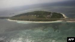 Клинтон поддержала Филиппины в морском споре с Китаем