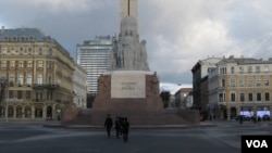 拉脫維亞首都里加的自由紀念碑。 (美國之音白樺拍攝)