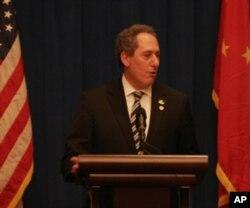 奥巴马总统的高级经济顾问迈克尔•费洛曼