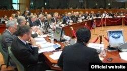 وزیران خارجه اتحادیه اروپا از حملات هوایی روسیه بر مخالفان حکومت سوریه انتقاد کردند