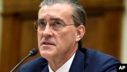 ریچارد اولسون، سفیر سابق امریکا در اسلامآباد و فرستاده سابق امریکا برای افغانستان و پاکستان است