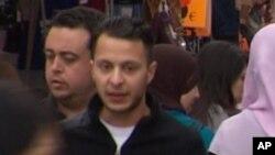Salah Abdeslam (2è à gauche sur cette vidéo), le 13 avril 2016.