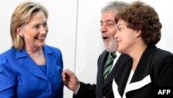 Хилари Клинтон встретилась с бразильским политиком - Дилмой Роуссефф
