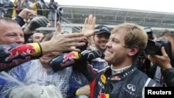 Sebastián Vettel es el piloto más joven en la historia en ganar tres veces el premio de la F 1.