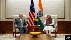 美国国务卿蒂勒森在印度总统府会见印度总理莫迪(2017年10月25日)