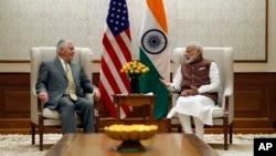 واشنگتن از ظهور هند به مثابۀ یک قدرت پیشتاز، حمایت می کند و آماده است تکنالوژی های پیشرفتۀ نظامی را در اختیار آن قرار دهد