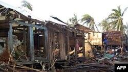 Bão Giri ập vào bờ biển phía tây Miến Ðiện tháng 10 năm ngoái, giết chết ít nhất 45 người và đẩy 81.000 người vào cảnh không nhà