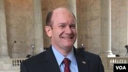 크리스 쿤스 민주당 상원의원.