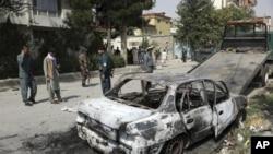 افغانستان کے ریڈ زون میں راکٹ حملے کے نتیجے میں وہاں موجود املاک کو نقصان پہنچا۔