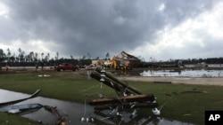 جارجیا کی کک کاونٹی میں تباہی کا ایک منظر