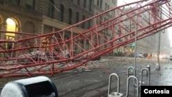 Derek yang jatuh di Lower Manhattan, New York Jumat (5/2) pagi.