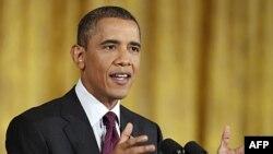 Tổng thống Obama trả lời ký giả trong cuộc họp báo tại Tòa Bạch Ốc, 29/6/2011