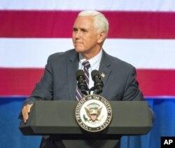 Potpredsednik Majk Pens govori na predizbornom skupu republikanke Keti Mekmoris Rodžers u državi Vašington 2. oktobra 2018.