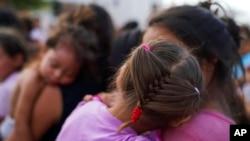 Más de 38.000 personas que se han visto obligadas a esperar al otro lado de la frontera para acudir a una audiencia de un tribunal de inmigración que procese su solicitud de asilo.