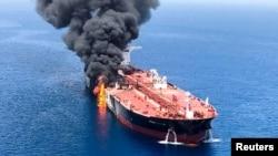 阿曼灣遭受襲擊的油輪。