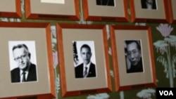 刘晓波做为诺贝尔奖得主的正式黑白照片已挂在诺委会墙上(美国之音王南拍摄)