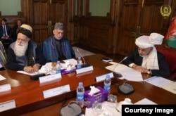 Afg'oniston sobiq prezidenti Hamid Karzay Qatardagi muzokarada ishtirok etishini bildirmoqda