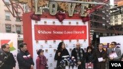 """""""到華埠顯愛心""""記者會2020年2月12日在曼哈頓中國城舉行(美國之音方冰拍攝)"""