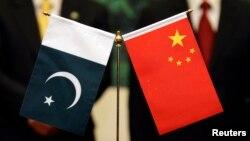 پاکستانی دفترِ خارجہ کے بیان میں کہا گیا ہے کہ بھارت کی جانب سے بڑے پیمانے پر اسلحے کے حصول، اپنی نیوکلیائی طاقت میں توسیع اور عدم استحکام پیدا کرنے والے نظام کے متعارف کرانے سے جنوبی ایشیا کے امن و استحکام پر سنگین اثرات مرتب ہوں گے۔ (فائل فوٹو)