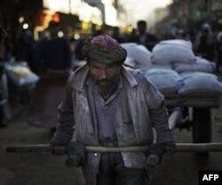 Amerika dollari Afg'onistonni oyoqqa turg'aza oladimi?