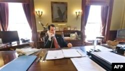 Wisconsin Valisi Sendika Yasasını İmzaladı