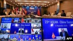 越南总理阮春福在2020年11月12日在河内举行的中国-东盟视频峰会上致辞。