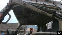 پولیس گاڑی پر بم حملے میں چار اہلکار ہلاک