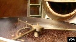 La cafeína mejora el rendimiento en el trabajo, aunque no elimina el riesgo de sufrir lesiones.