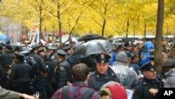 警察驅散示威者