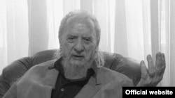 Osim po bogatom književnom opusu, Brković je široj javnosti poznat i po zalaganju za nezavisnost Crne Gore tokom 1990-tih, koje je proveo kao disident u Zagrebu. Foto tvcg/printscreen
