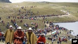 Andean people protest against Newmont Mining's Conga gold project during a march near the Cortada lagoon in Peru's region of Cajamarca (File)