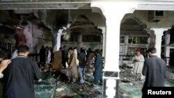 Sur les lieux de l'attentat-suicide à Herat, Afghanistan, le 1er août 2017.