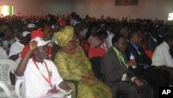 """XI Congresso da UNITA: Samakuva propõe """"governo-sombra"""""""