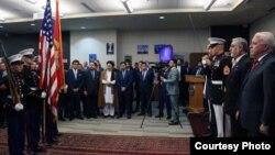 کابل کې د امریکا کې د جولای د څلورمې د ورځې مراسمو ته په زیات شمیر د افغان حکومت چارواکي او د مدني ټولنې استازي بلل شوي وو.