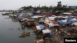 Tempat penampungan sementara bagi para penyintas topaz Haiyan di kota Tacloban, Filipina (Foto: dok).