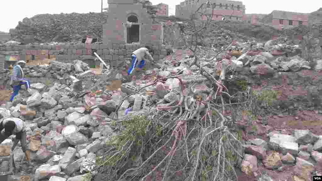 When this home in Hajar Aukaish, Yemen, was bombed, four children, for women and two men were killed. (VOA/A. Mojalli)