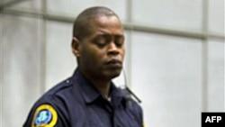 Cựu tổng thống Liberia Charles Taylor bị cáo buộc 11 tội danh trong đó bao gồm tội giết người, tra tấn và sử dụng binh sĩ trẻ em