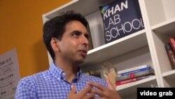 Ông Salman Khan, người sáng lập Học viện Khan.