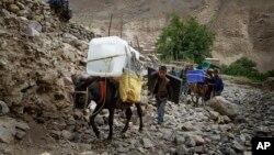 کمیسیون مستقل انتخابات افغانستان می گوید که از هر وسیلۀ ممکن برای برگزاری درست انتخابات کار گرفته می شود.