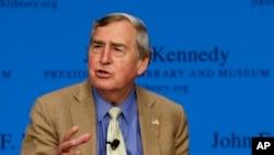 哈佛大学教授格雷厄姆·埃里森(Graham Allison)在波士顿的一次活动中讲话(2013年2月5日)