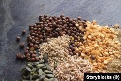 بادشاہ کے منہ کا ذائقہ بدلنے کے لیے اسے 'غریبی' کھانے بھی کھلائے جاتے تھے