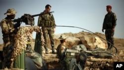 Francuski vojnici kraj izviđačkog punkta u blizinai grada Sevare, na severu Malija