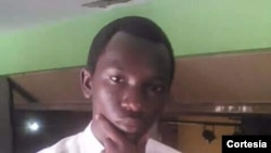 Jovem guineense Abu Lay Camará